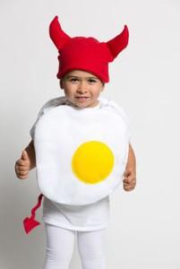 Kind als ei kostuum